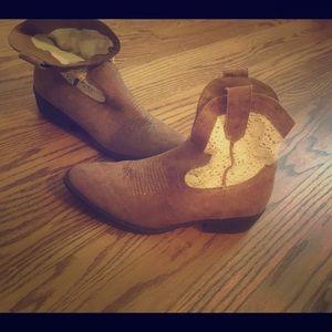 Steve Madden short cowgirl boots
